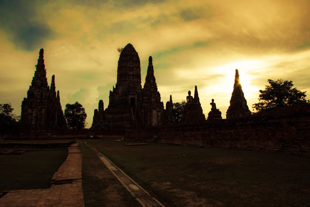 AY02: Historic Ayutthaya with Boat Ride at Sunset